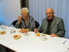 Photo: Hier zitten ze dan Jan Horsten en zijn vrouw, ze waren gelokt voor de huldiging van Jan Spruit (die later ook gehuldigd wordt)