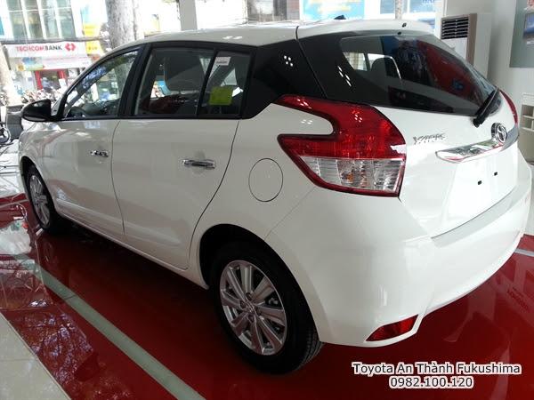 Khuyến Mãi Giá Xe Toyota Yaris 2016 Nhập Khẩu TPHCM màu trắng 1