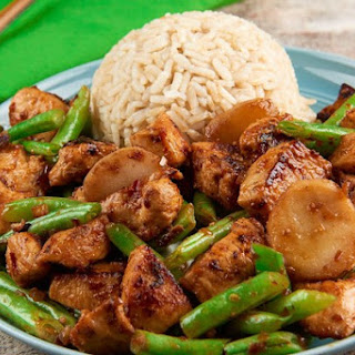 Healthy Takeout Szechuan Chicken and Green Beans with brown rice and water chestnuts