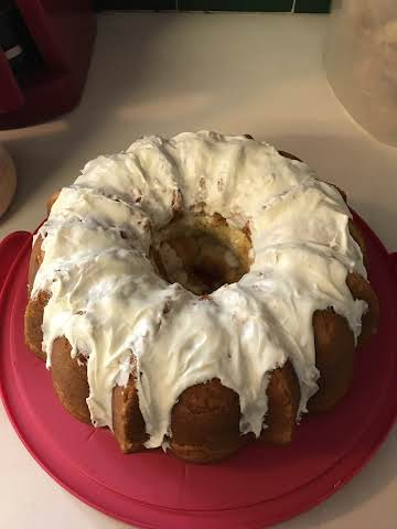 Easy Sour Cream Pound Cake