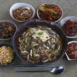 Korean sweet potato noodle dish (Japchae)
