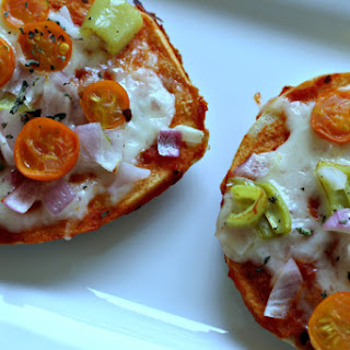 Veggie Mini Bagel Pizza