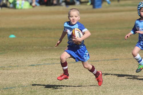 Evander Russ runs the ball at Saturday's Narrabri carnival