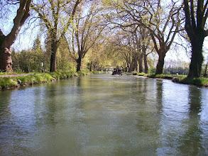 Photo: Sur le canal de Dole