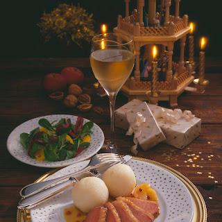 Entenbrustfilet mit Calvados-Pfeffer-Sauce und Kartoffelknödeln