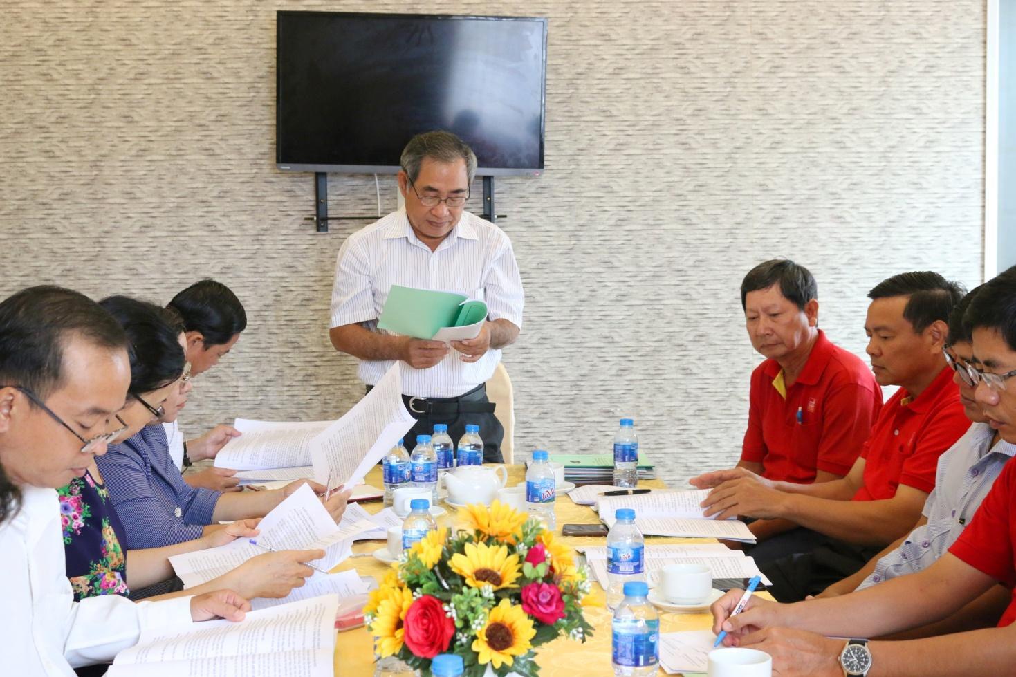 2. Đồng chí Nguyễn Văn Hung – Phó Bí Thư Đảng ủy, Phó TGĐ Sao Mai Group báo cáo tại buổi họp.JPG