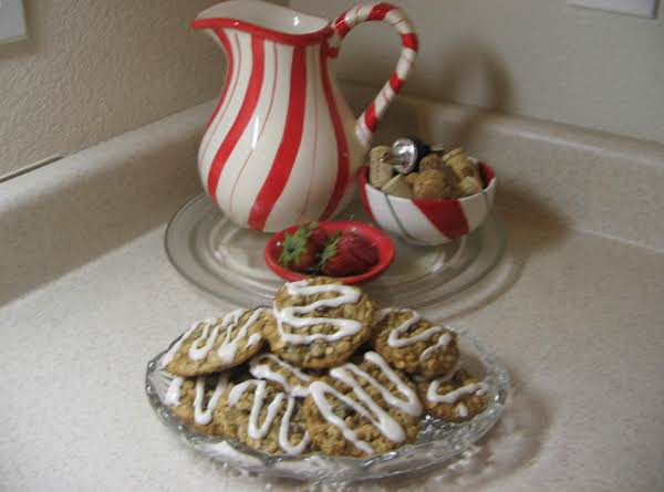 Oatmeal Date Nut Cookies