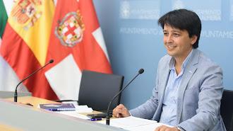 Mnauel Guzmán pasará del Ayuntamiento de la capital a la Diputación provincial.