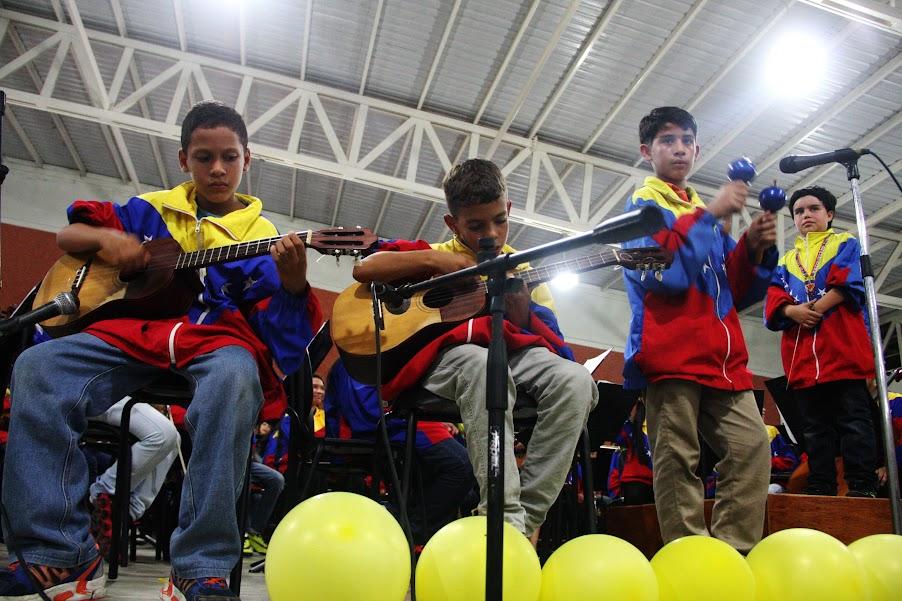 Después de Apure, los niños salieron rumbo a San Juan de Los Morros, en Guárico, donde partiparon en un homenaje al recientemente fallecido músico Hugo Blanco