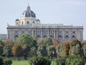 Photo: Das Riesengebäude des Naturhistorischen Museums in Wien. Edificio enorme di Naturhistorisches Museum a Vienna. Muzeum Historii Naturalnej w Wiedniu.