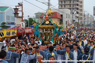 Photo: 【平成19年(2007) 本宮】 氏子回りを終え、祭典本部に到着。式典に臨む。