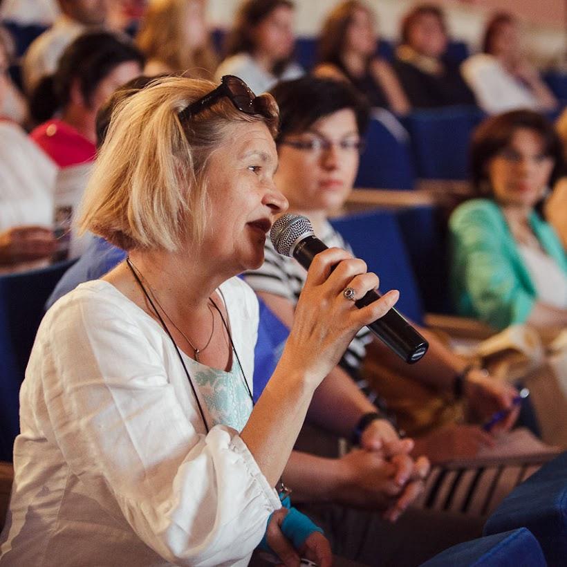 scoala-romaneasca-la-granita-dintre-traditie-si-inovare-prin-tehnologie-031