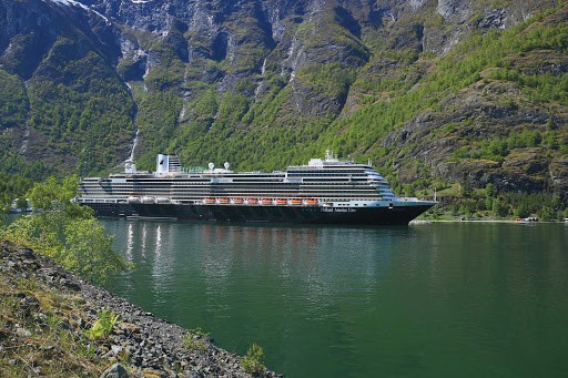 koningsdam-exterior11.jpg -  Koningsdam sails the Caribbean in winter and the Mediterranean from spring to fall.