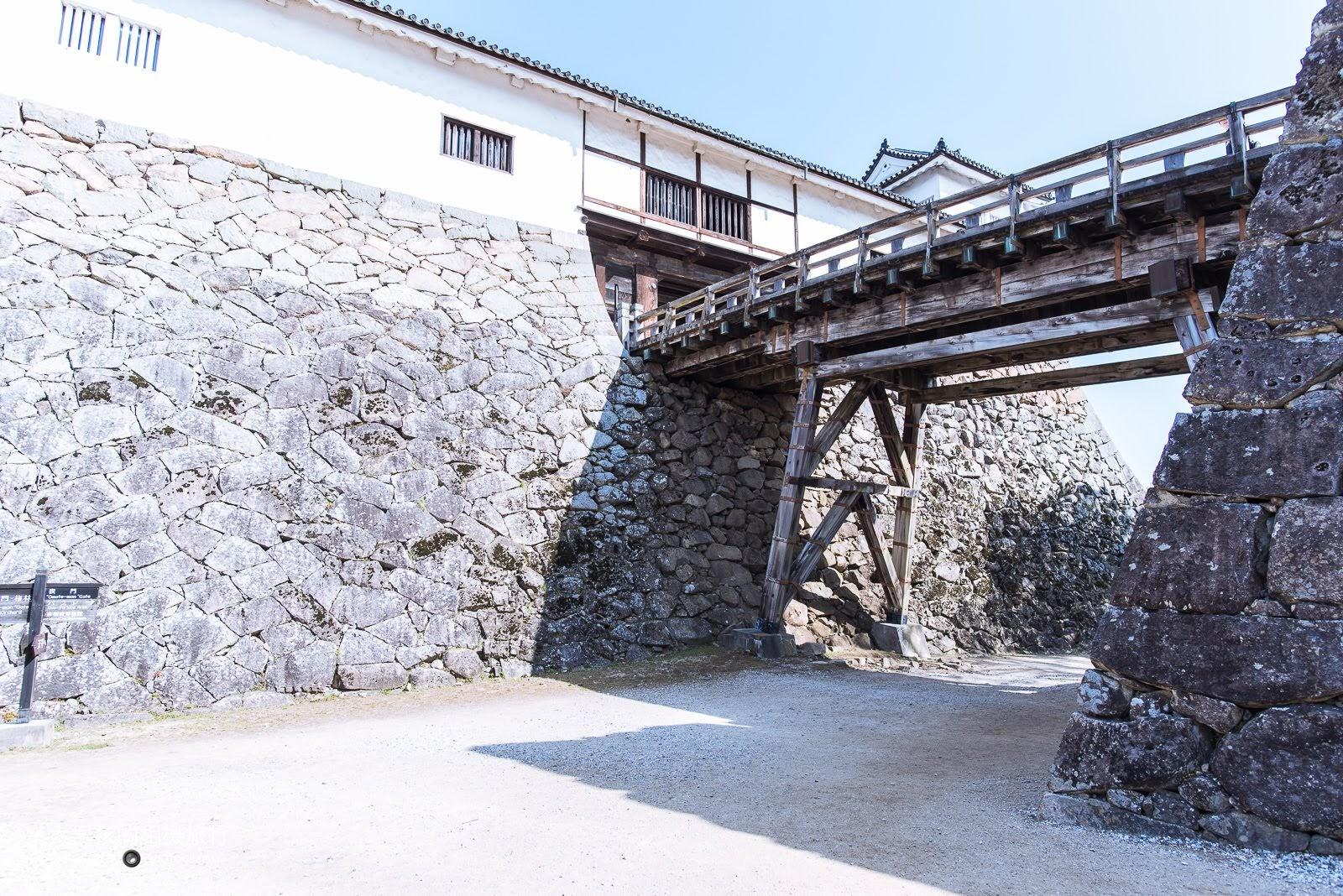 連接天秤櫓的廊下橋,爬坡到這邊基本上就已經快到天守閣了。