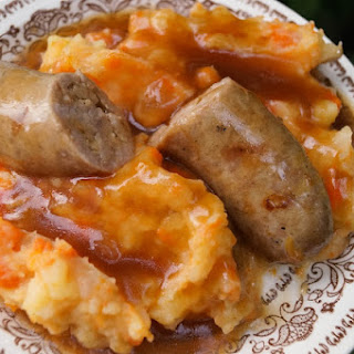 Hutspot met Wurst en Jus (Hotchpotch with Wurst and Gravy)