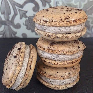 Oreo Macarons filled with Oreo Buttercream.