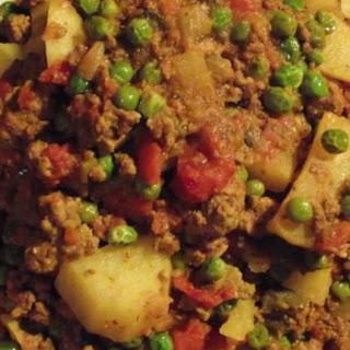 Keema Aloo (Ground Beef and Potatoes).
