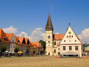 Photo: rynek w Bardiowie kościół pw. św. Idziego oraz ratusz