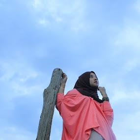 Hijab Yanti by Octavianus Rio Herliawan - People Fashion