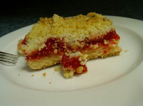 Cherry Crumb Bars Recipe