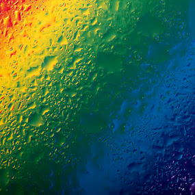 Drops Rainbow by Jean Photo-Vigneault - Abstract Water Drops & Splashes