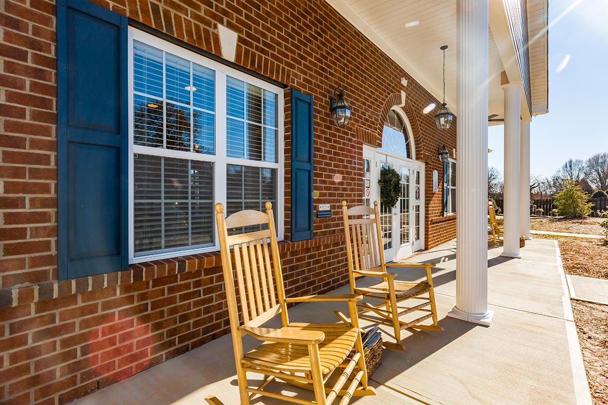 Lafayette Landing Apartments and Villas in Jamestown, North Carolina ...