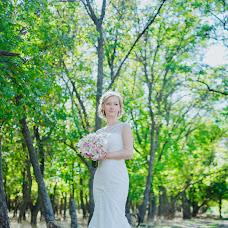 Wedding photographer Vika Burimova (solntsevnutri). Photo of 20.10.2014