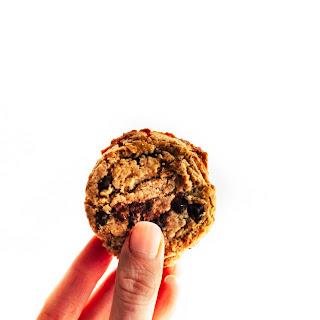 The Best Vegan Chocolate Chip Cookies {Paleo}.