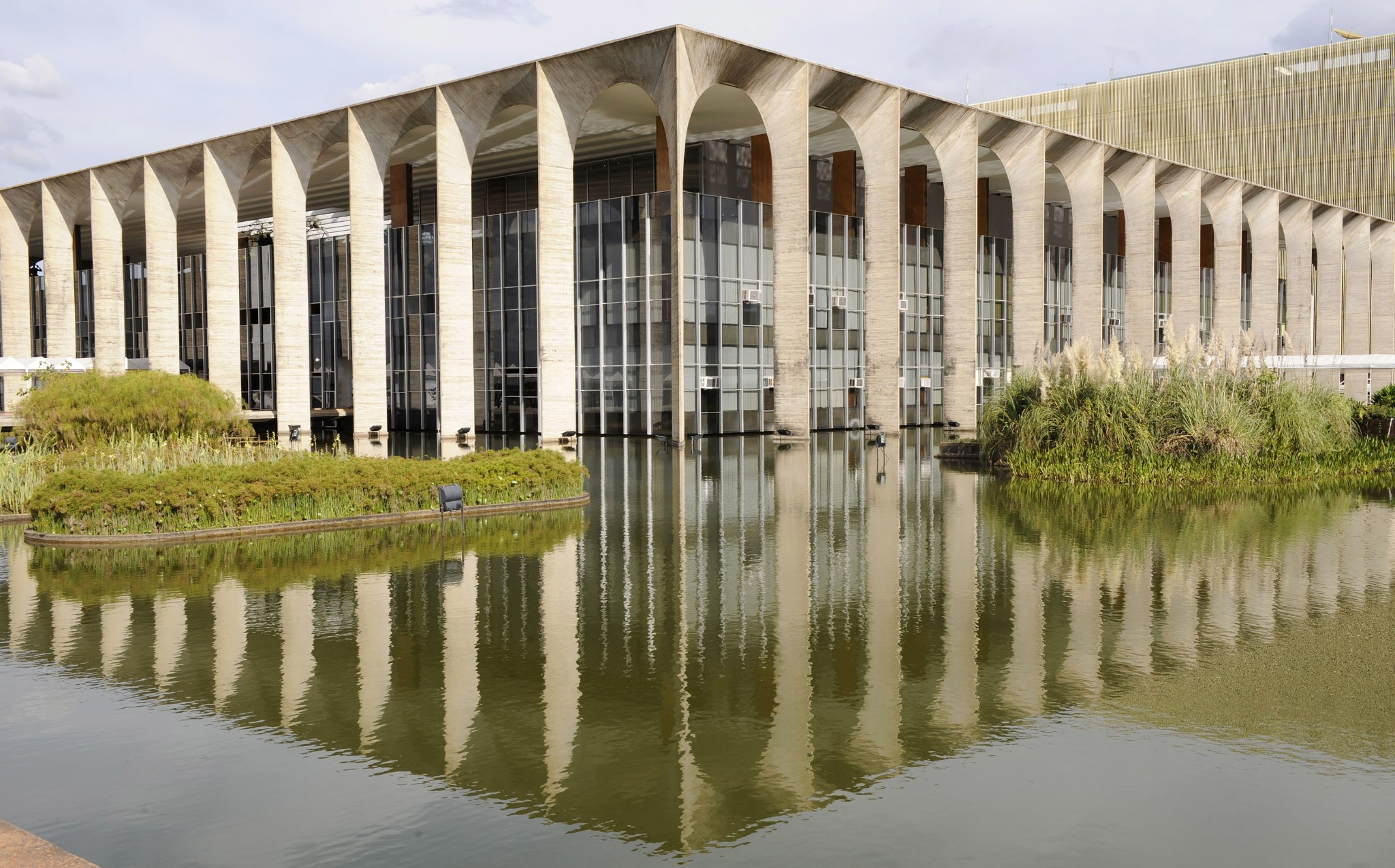 Photo: The Brazilian Foreign Ministry is pictured in Brasilia on May 14, 2008. The building was designed by Brazilian architect Oscar Niemeyer. AFP PHOTO MICHAEL KAPPELER (Photo credit should read MICHAEL KAPPELER/AFP/Getty Images)