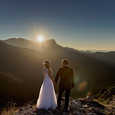 Wedding photographer Maciej Niesłony (magichour). Photo of 31.10.2015