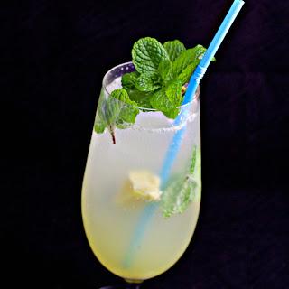 Lemon Ginger Fizz Mocktail.