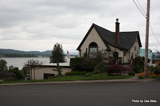 Photo: (Year 2) Day 344 - A House Overlooking the Columbia River