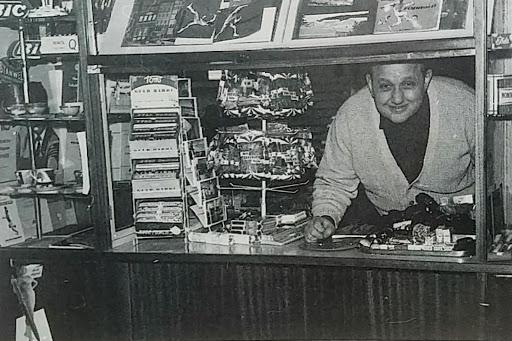 Knud Thomassen - som de fleste husker ham i kiosken