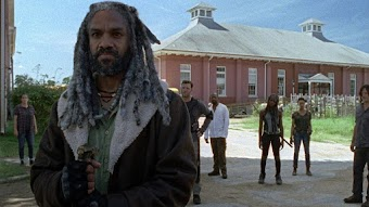 "Inside The Walking Dead: ""Rock In The Road"""