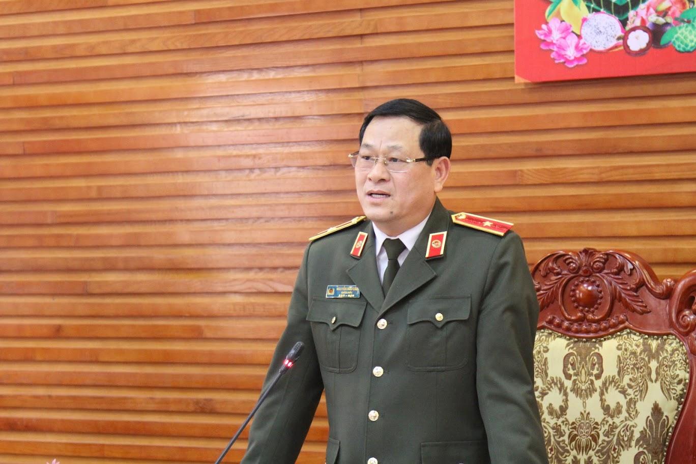 Đồng chí Thiếu tướng Nguyễn Hữu Cầu – Bí thư Đảng uỷ, Giám đốc Công an tỉnh chủ trì buổi gặp mặt.