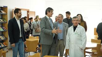El alcalde de Adra, Manuel Cortés, durante la visita inaugural a esta nueva infraestructura en La Curva.