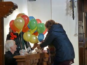 Photo: Gleich steigen die Luftballons mit unseren Pflastern