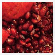 Photo: Pomegranates #intercer #red #fruits #eat #food #healthy #antioxidant #seeds #yummy #tasty #sweet #sour - via Instagram, http://ift.tt/1BH2Auz