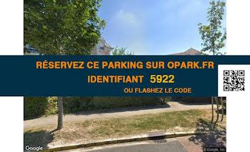 parking à Emerainville (77)