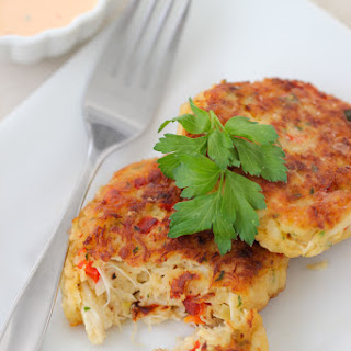 Crab Cakes With Roasted Red Pepper Sauce