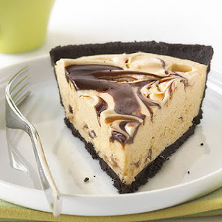 Peanut Butter & Fudge Swirl Pie