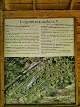 Photo: Informationstafel des Kleingartenvereins ,Waldlust e.V.' an der Zufahrt zum Ollen Dreisch.