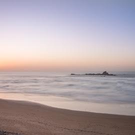 by Martín Silva Cosentino - Landscapes Beaches ( street, affrica, cityscape, architecture, dinas, morocco, lliwiau, city, exploring, cuidad, b+h, medina, pensaerniaeth, nikon, affrig, africa, marruecos, nd1000, tachwedd, gwyliau, tirlun, marrakesh, nikkor 24-70 2.8, souks, manfrotto, otoño, colours, marrakech, holiday, crwydro, marraquech, nikon d750, morroco, stryd, maroc,  )