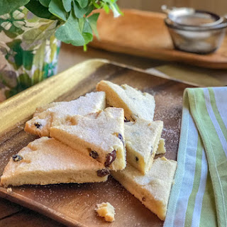 Irish Shortbread with Lemon and Currants Recipe