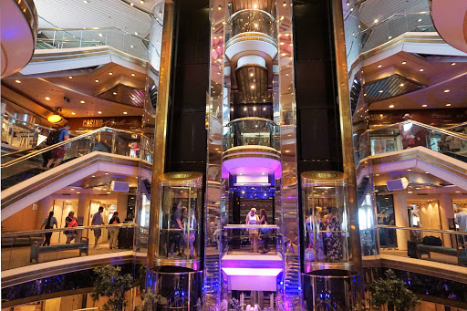 Majesty-of-Seas-centrum.jpg - The spectacular Centrum (or atrium) on Majesty of the Seas.