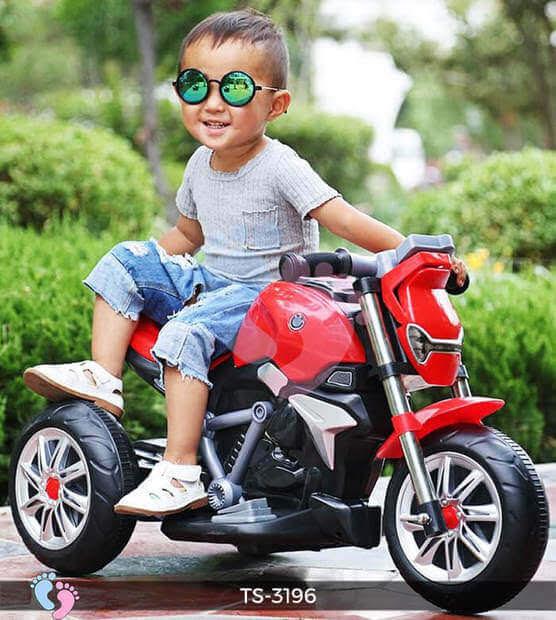 Xe máy điện trẻ em có điều khiển từ xa hay không 2