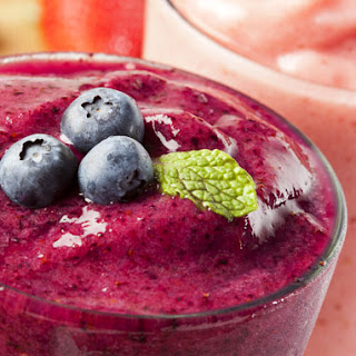 Healthy Triple Berry Smoothie