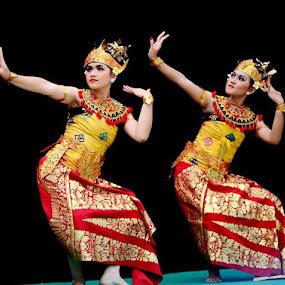 Tari Pendet from Bali.. by Dwi Ratna Miranti - News & Events Entertainment