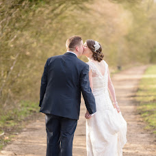 Wedding photographer Faye Cornhill (cornhill). Photo of 14.05.2015