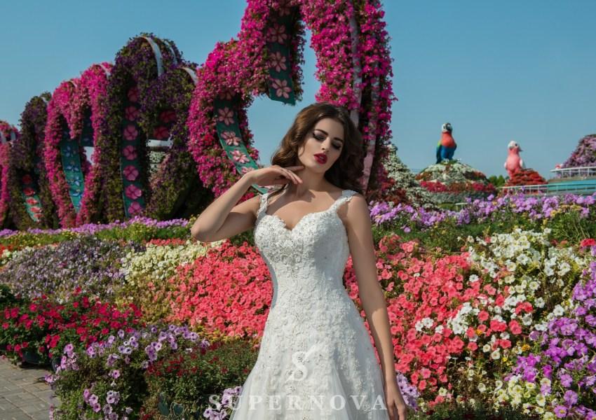 Мереживна весільна сукня від Supernova